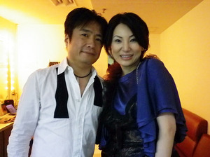 「-Love for Japan- An Evening with KOHMI HIROSE with special guest YUJI TORIYAMA」の舞台裏。(広瀬香美さんと)